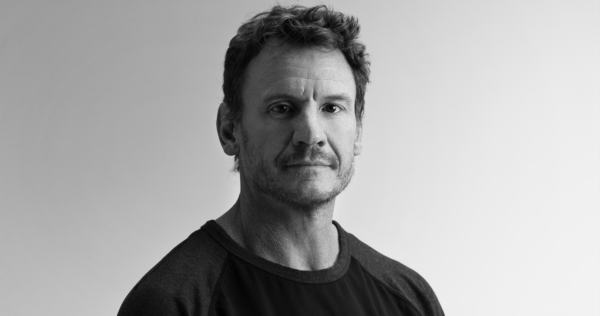 Nick Law es el principal responsable de la creatividad mundial de una de las agencias más premiadas del mundo, R/GA. Como director creativo global, Nick guía la visión estratégica y creativa de R/GA, una visión que evoluciona y al mismo tiempo se mantiene fiel al legado de R/GA de combinar creatividad de nivel internacional y tecnología de vanguardia.