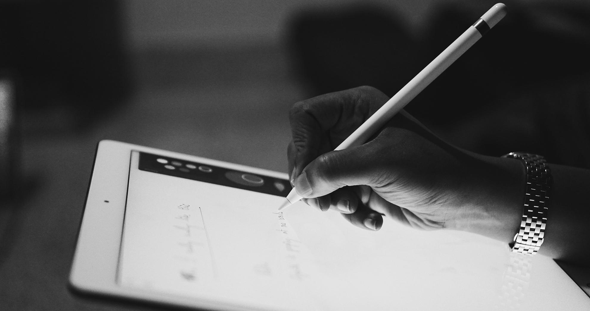 Si eres director de arte y no dominas el espacio digital, tu mundo se está haciendo cada vez más pequeño. En un solo día, Alex Lampe, colaborador habitual del D&AD, te puede enseñar a pensar y diseñar en entornos digitales, y también las herramientas necesarias para ampliar tus límites o, quién sabe, dejar de tenerlos.